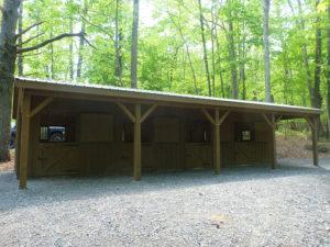 10x10 Stall Barn w Overhang